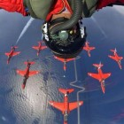 cool-pilot-selfie-upside-down-planes