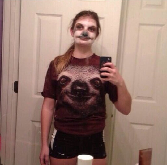 funny-girl-sloth-make-up-tshirt