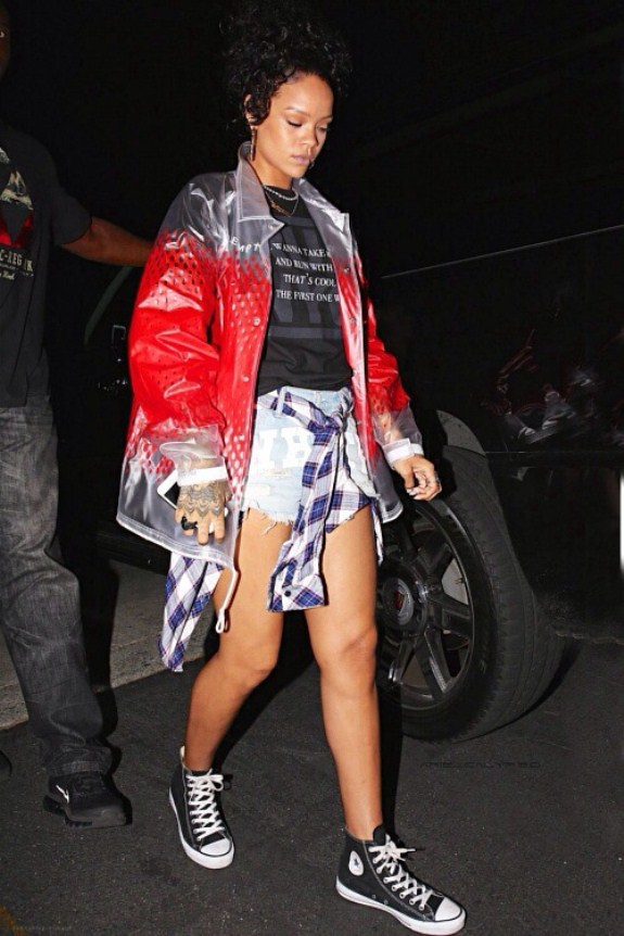 Most Stunning Pictures Of Rihanna 02