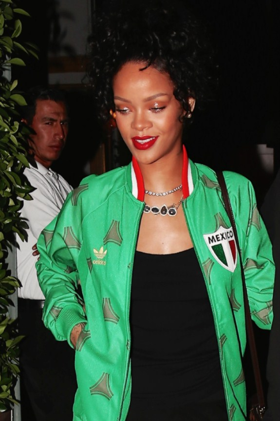 Most Stunning Pictures Of Rihanna 09