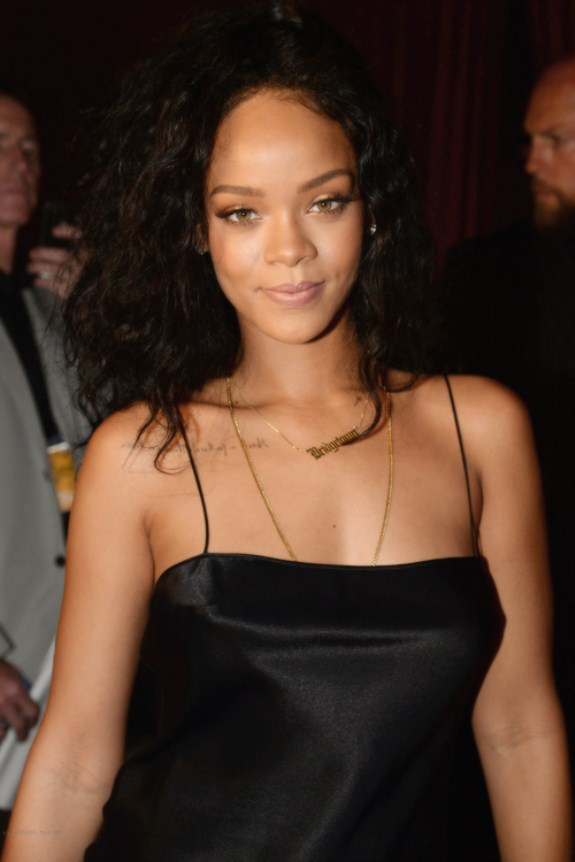 Most Stunning Pictures Of Rihanna 17_renamed_31184