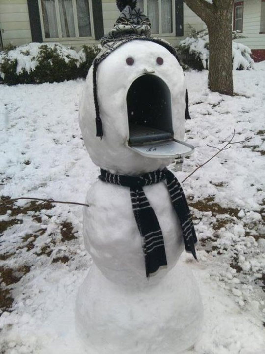 funny-snow-man-mail-box