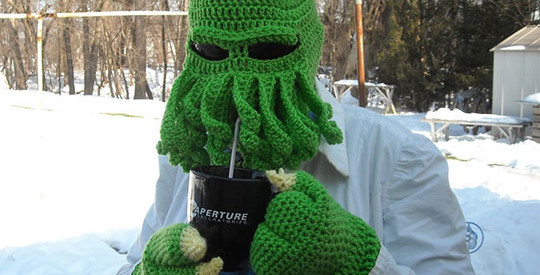 funny-knitted-Cthulhu-hat-winter