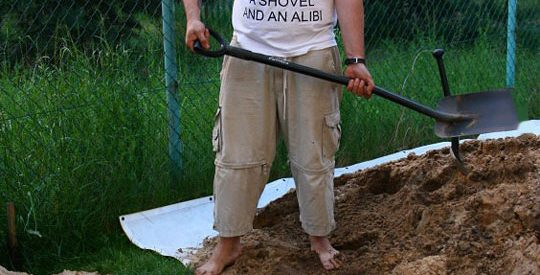 cool-father-shovel-shirt-alibi